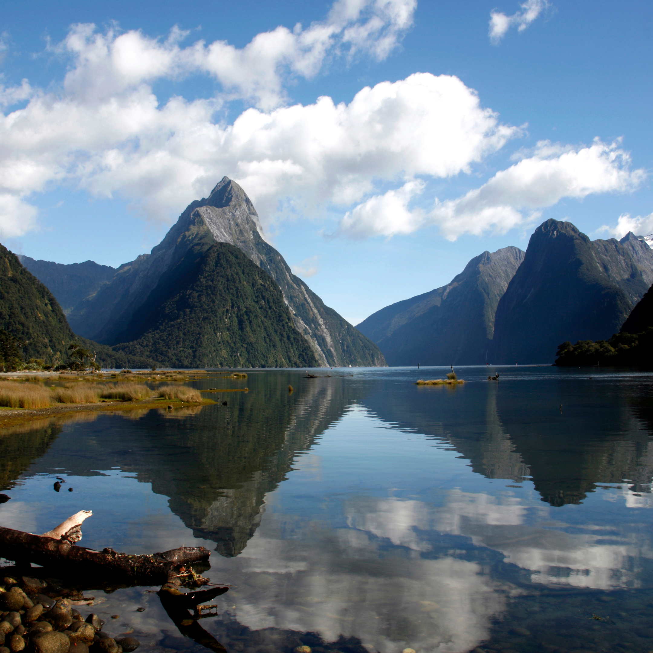 Milford Sound, New Zealand | 25 places to visit before turning 25